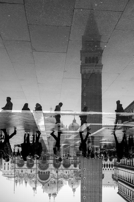 Italy, venice, cityscape, streetphoto, B&W, Venicephoto preview