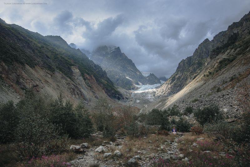 Chaladi Glacierphoto preview