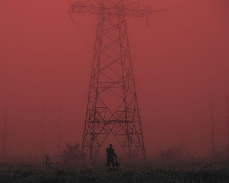 вышка, туман, человек, связь, мобильная сеть, красный Сетьphoto preview