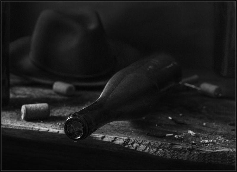 бутылка, шляпа, натюрморт ***photo preview