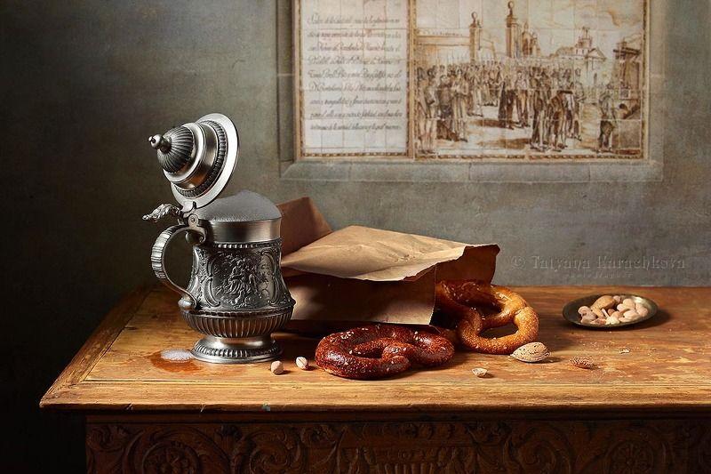 натюрморт, пиво, кружка, оловянная, орешки, брецель,фисташки, кувшин Пиво, брецель и орешки...photo preview