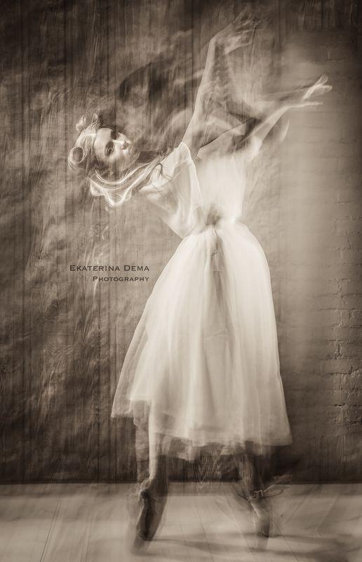ballerina, fly, fashion, winter, snow, ice, cold, breathe, vintage  Retro photo preview
