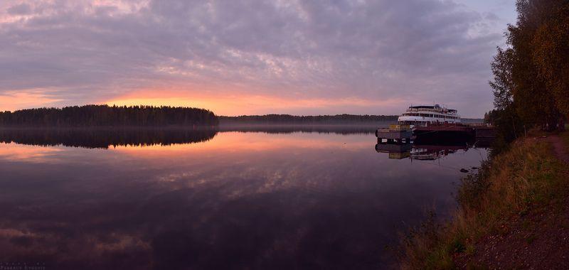 вода, корабль, мандроги, небо, закат За минуту до отчаливанияphoto preview