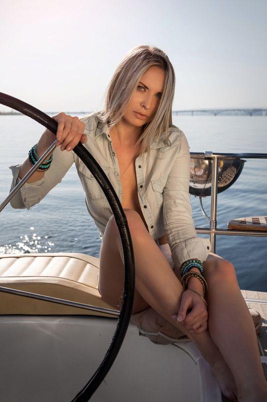 фото , цвет , девушка , гламур , вода , лето , река , яхта Блондинки рулят ...photo preview