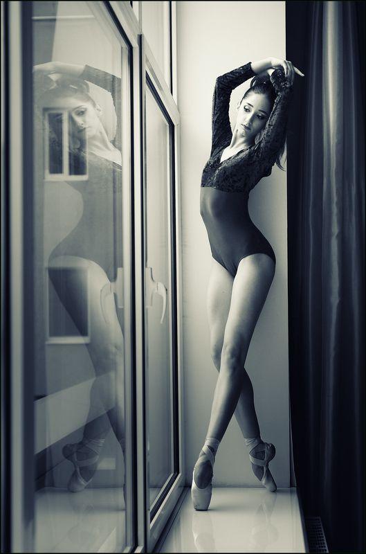 балет Рафаэла у окнаphoto preview