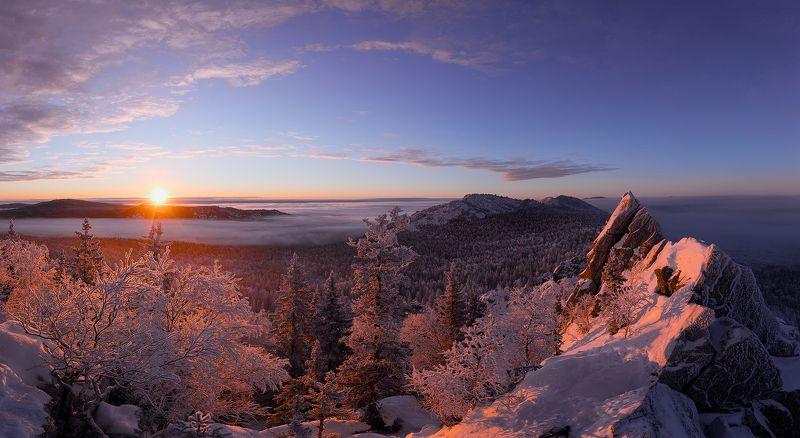 Восход в горах Таганаяphoto preview