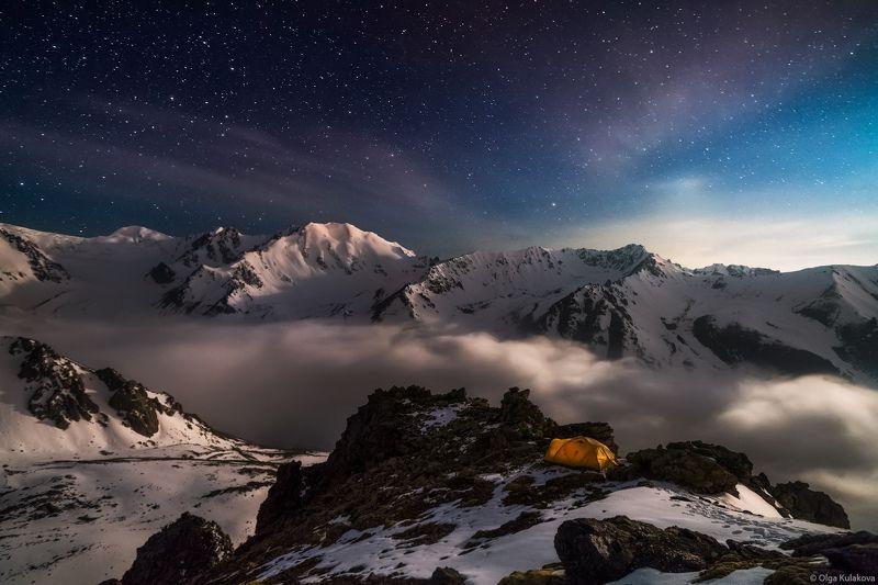горы, ночь, ночное небо, палатка, заилийский алатау, казахстан Над облакамиphoto preview