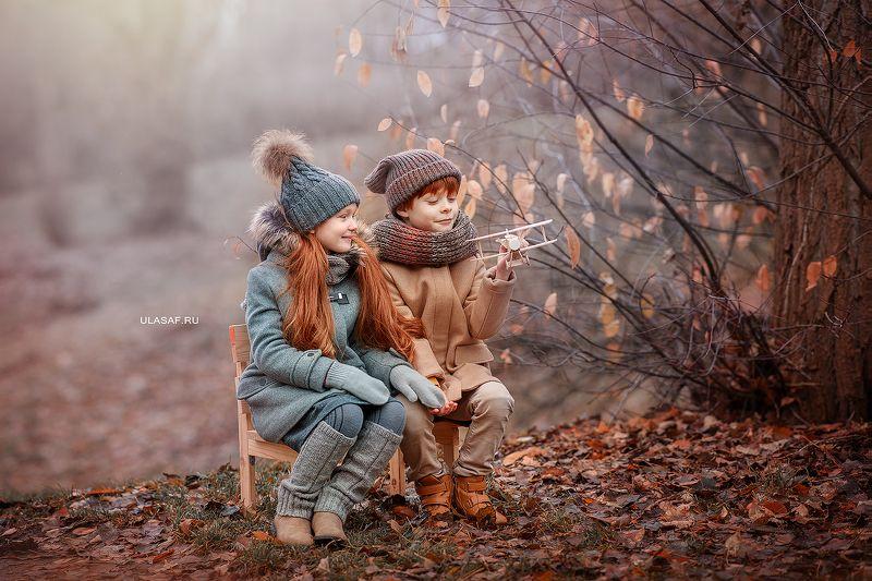 портрет, осень, девочка, мальчик, boy, girl, autumn, лес, друзья, солнышко, лучи, sun, happy, happiness, сказка, волшебство, magik, рыжие, рыжики, red Рыжикиphoto preview