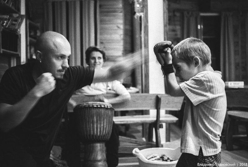 Урок бокса для сынаphoto preview