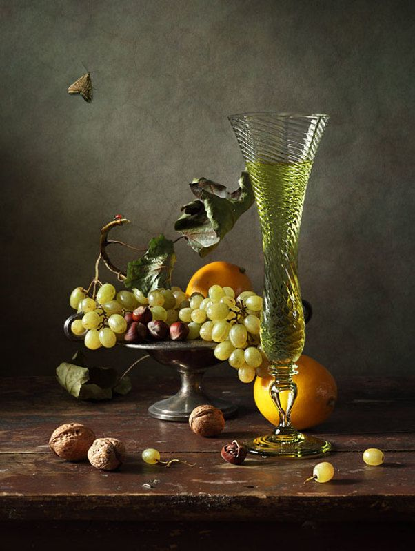Вино, лимоны, виноградphoto preview