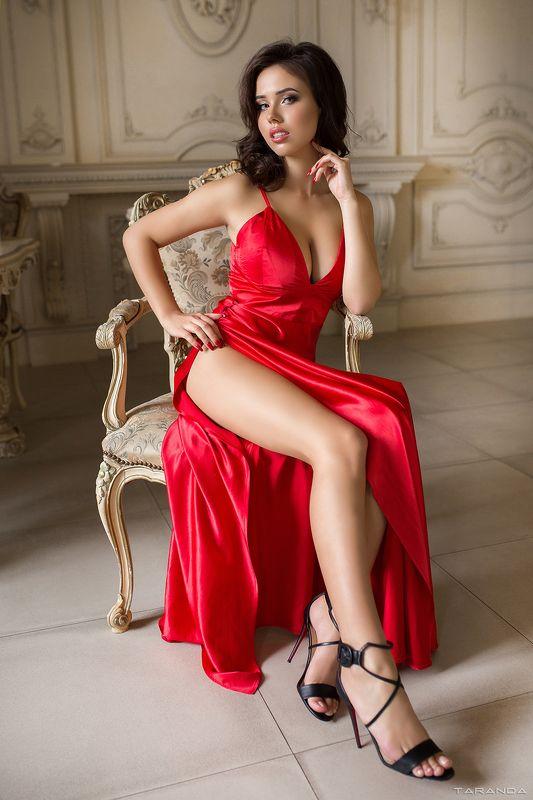 kiev, nu, nude, sexy, ukraine, girl, model, studio, light, colors, xxl, red, portrait photo preview