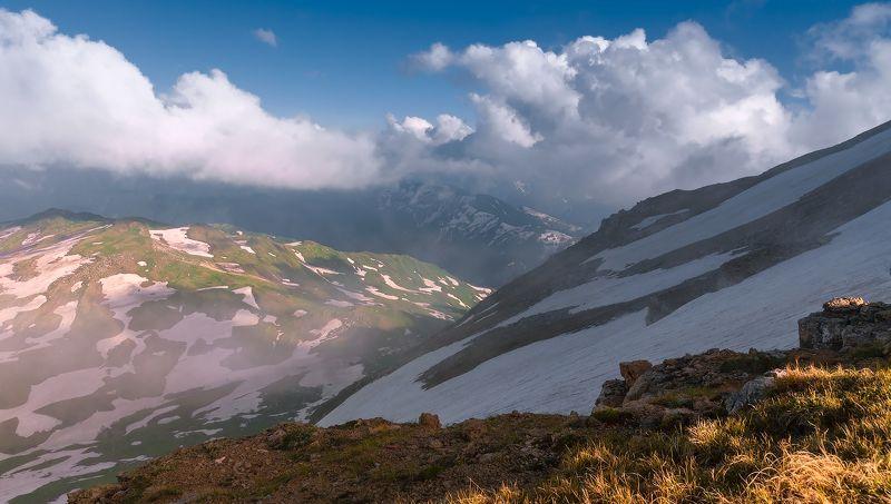 Облака на хребтахphoto preview