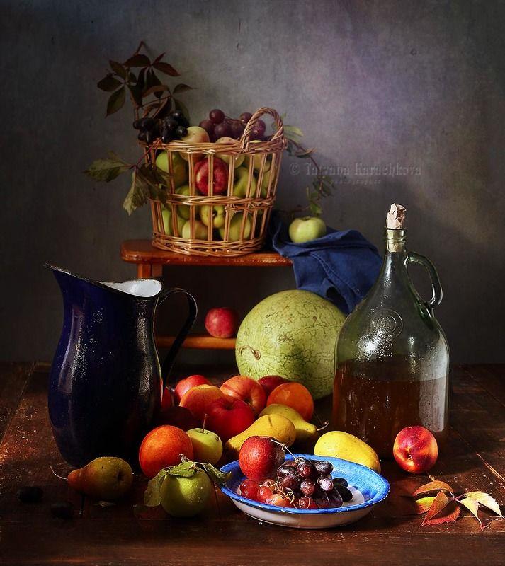натюрморт, фрукты, яблоки, груши, персики, нектарины, виноград, кувшин, корзина, бутыль, арбуз Фруктовыйphoto preview