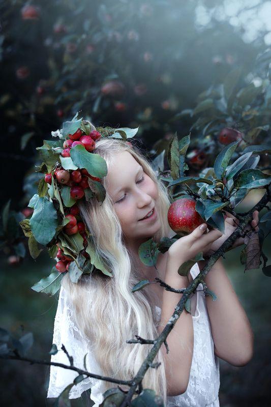 portrait, apple, apples, garden, autumn, girl, red girl in apple gardenphoto preview