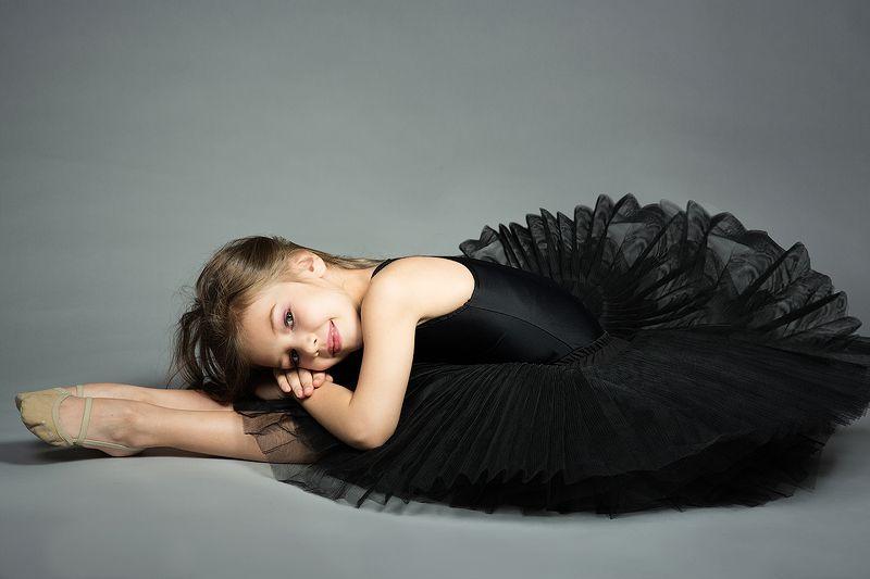 гимнастка, балеринка, милая, девочка, ребенок, улыбка, пачка, купальник Лераphoto preview