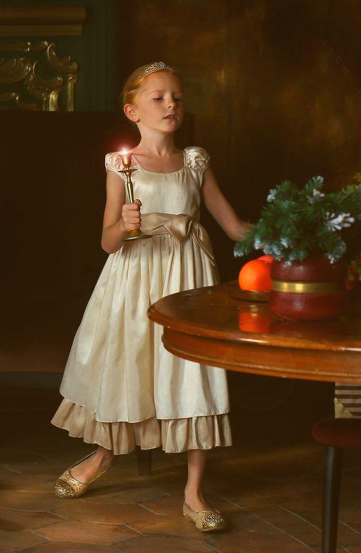 портрет, девочка, живопись, цвет, свет, жанр, истории из детства, линда, рождество, краски, платье, душа Истории из детства. Волшебные минуты до Рождестваphoto preview