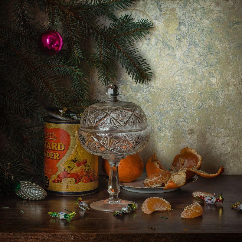 натюрморт, праздник, новый год, ёлка, игрушки, мандарин Предновогодние наброскиphoto preview