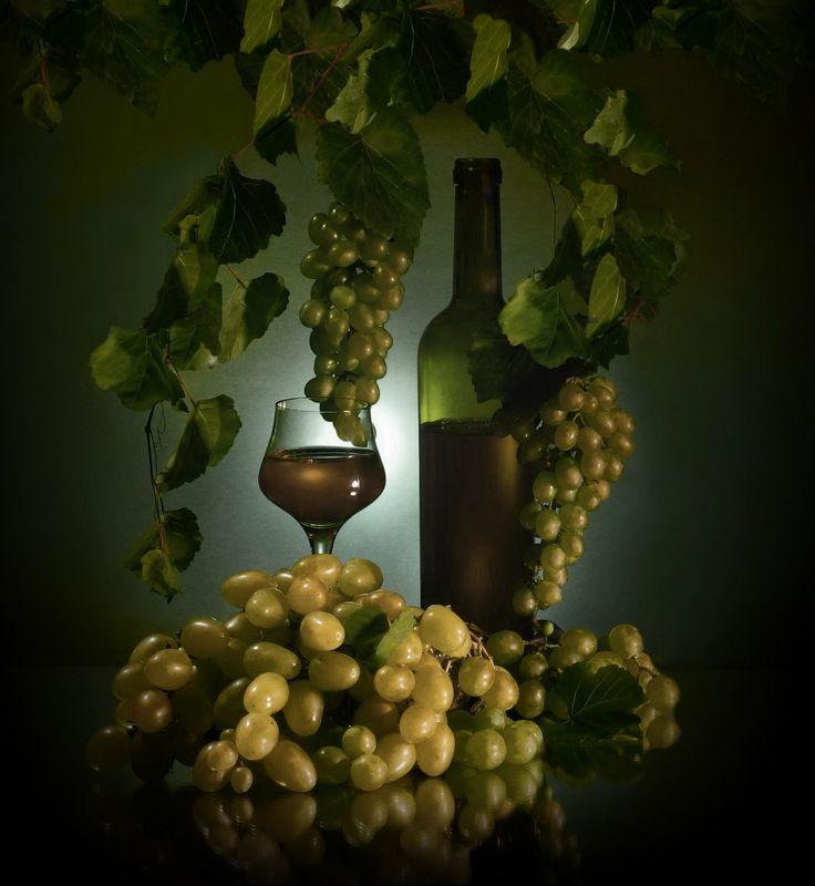 вино виноград сок ягоды натюрморт Светлое.photo preview