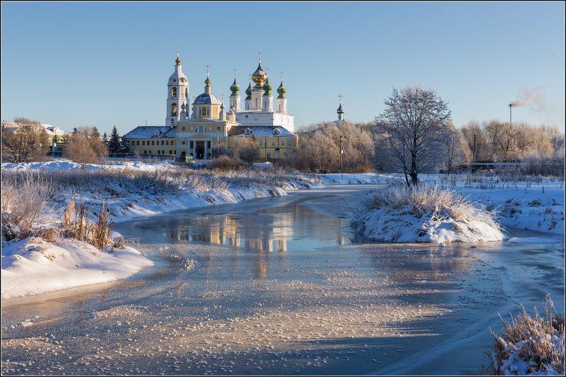 россия, ивановская обл, введенье На хрупком льду играет солнцеphoto preview