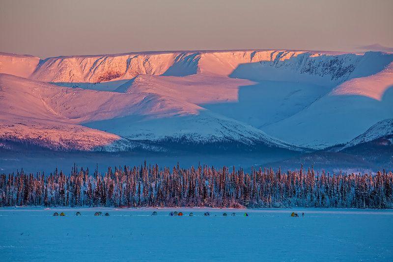 рыбалка, мороз, Имандра, горы, Хибины, палатка, рыбаки Зимняя рыбалкаphoto preview