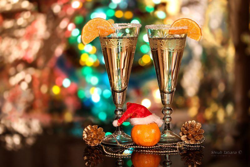 праздник, новый год, бокалы, шампанское, игрушки С наступающим, друзья!photo preview