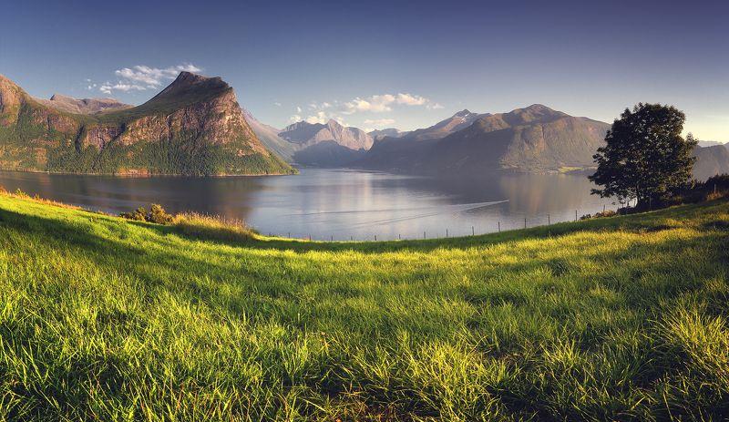 норвегия, лето, горы, фьорд, панорама Тепло севераphoto preview