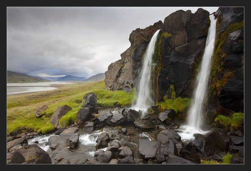 iceland, waterfall Фрагменты осениphoto preview