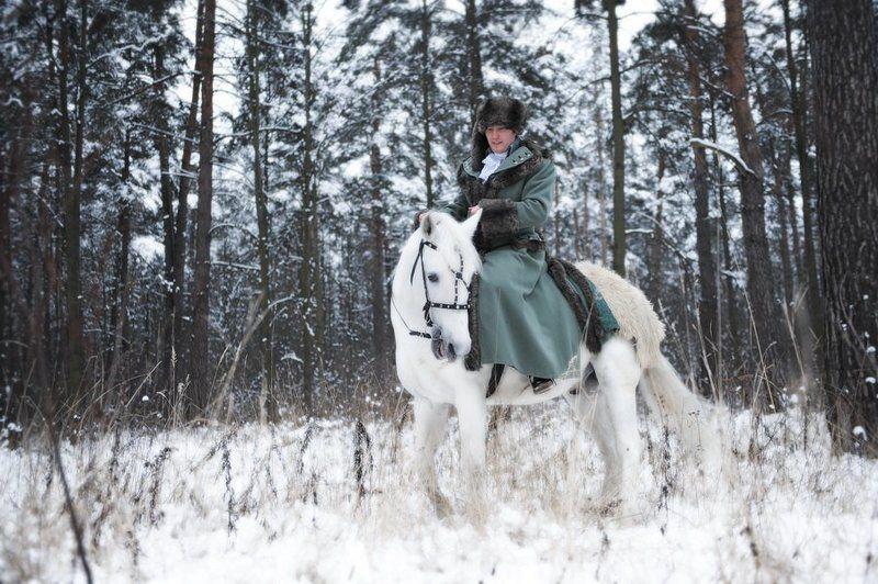 свадьба, лошадь, снежок. На коне.photo preview