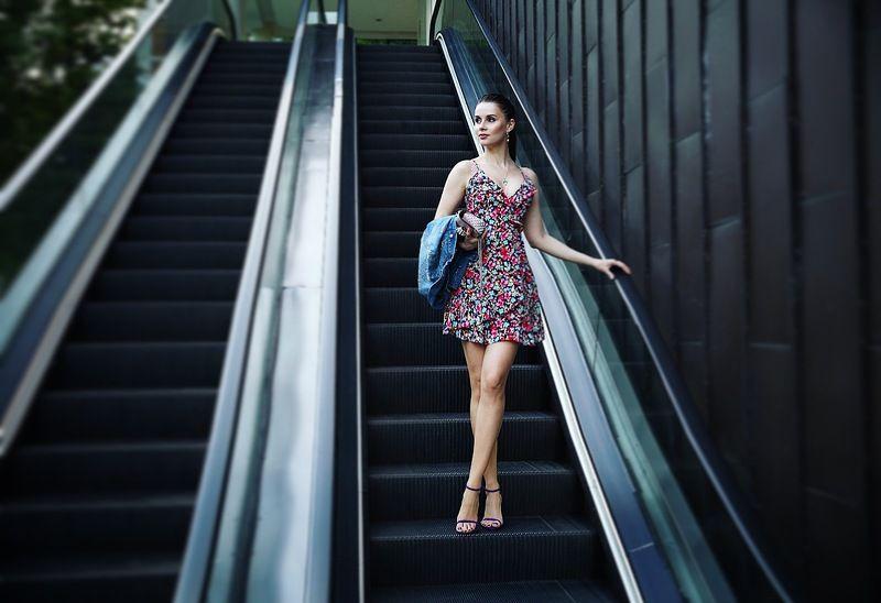 model, girl, portrait, body, face, beauty, beautiful, gurulee, natural light, russian, pretty,sensual LARISAphoto preview