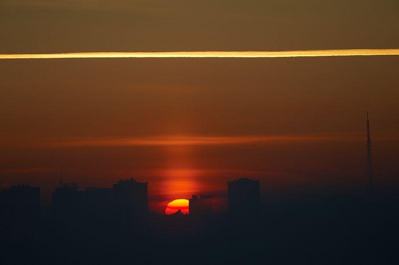 закат, солнце, город, небо, красный закат, зима, ночной город, контур, Новосибирск, Сибирь закатphoto preview
