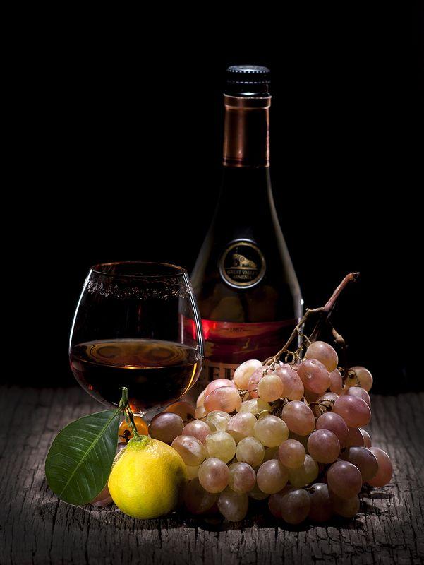 коньяк, натюрморт, коньячный, лимон, виноград Захотелось коньячку!photo preview