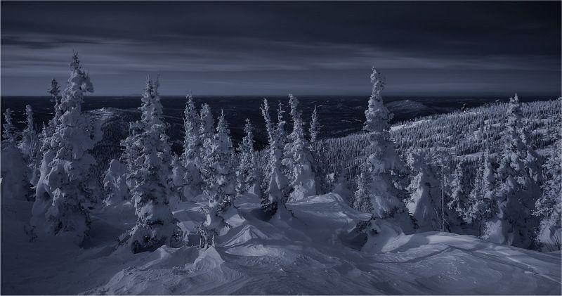 шерегеш, снег, ветер, метель, мороз, горы, деревья, пейзаж, природа, закат, снежинки, ночь Обратная сторона дня в Горной Шории!photo preview