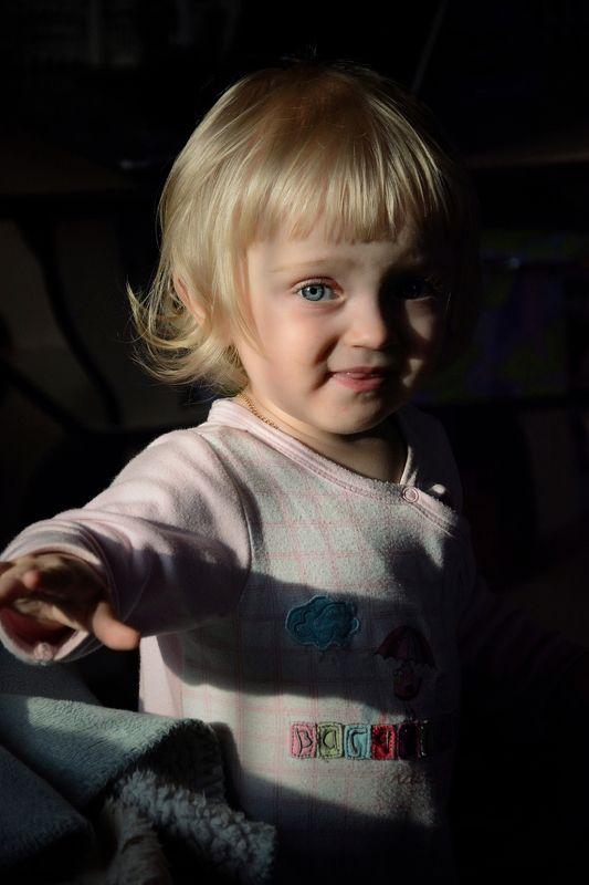 Детство, семья, ребёнок, портрет, девочка, цвет, child, childhood, portrait, color, family, daylight photo preview