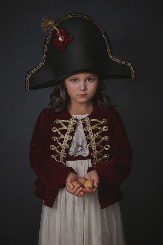 девочка, ребенок, сказка, портрет, Щелкунчик, стилизация Щелкунчикphoto preview