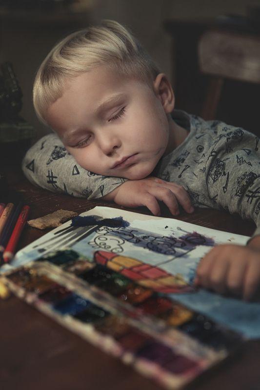 kid, kids, child, children, boy, tires, happy, sleeping, paints sleeping boyphoto preview