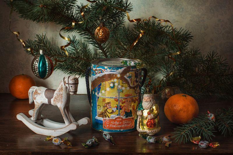 натюрморт, праздник, рождество, ёлка, игрушка Рождественская серия с коникомphoto preview