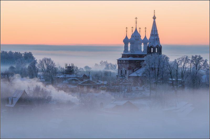 россия, ивановская обл, дунилово На землю опустились облакаphoto preview