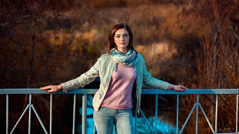 портрет, на мосту, осень, золотая осень, осеннее фото, на улице, река Полинаphoto preview