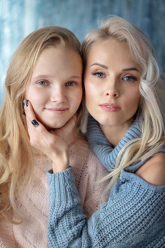 Мать и дочьphoto preview
