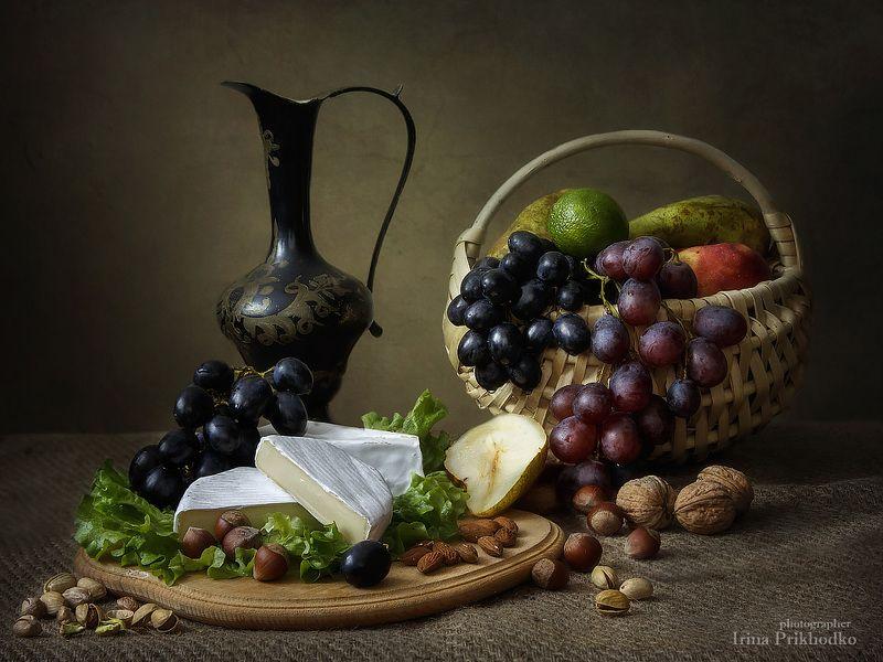 натюрморт, еда, фрукты, винтажный натюрморт, художественная фотография, сыры, камамбер, бри Натюрморт с камамберомphoto preview