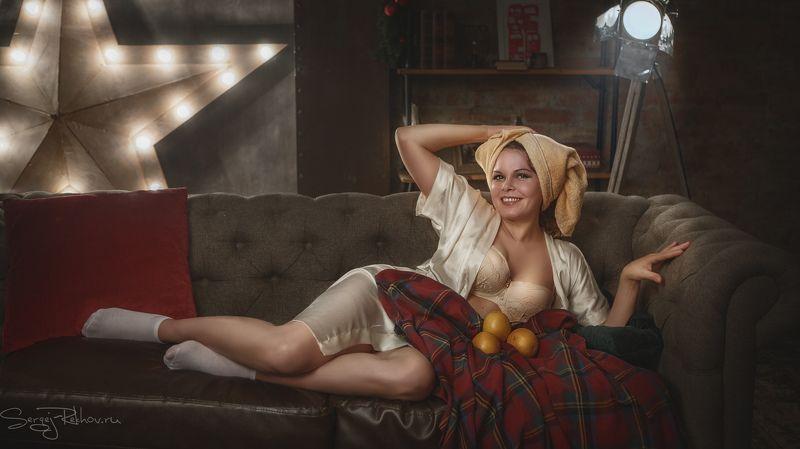 студия, портрет, ночь, девушка, модель, rekhov Девушка с апельсинами...photo preview