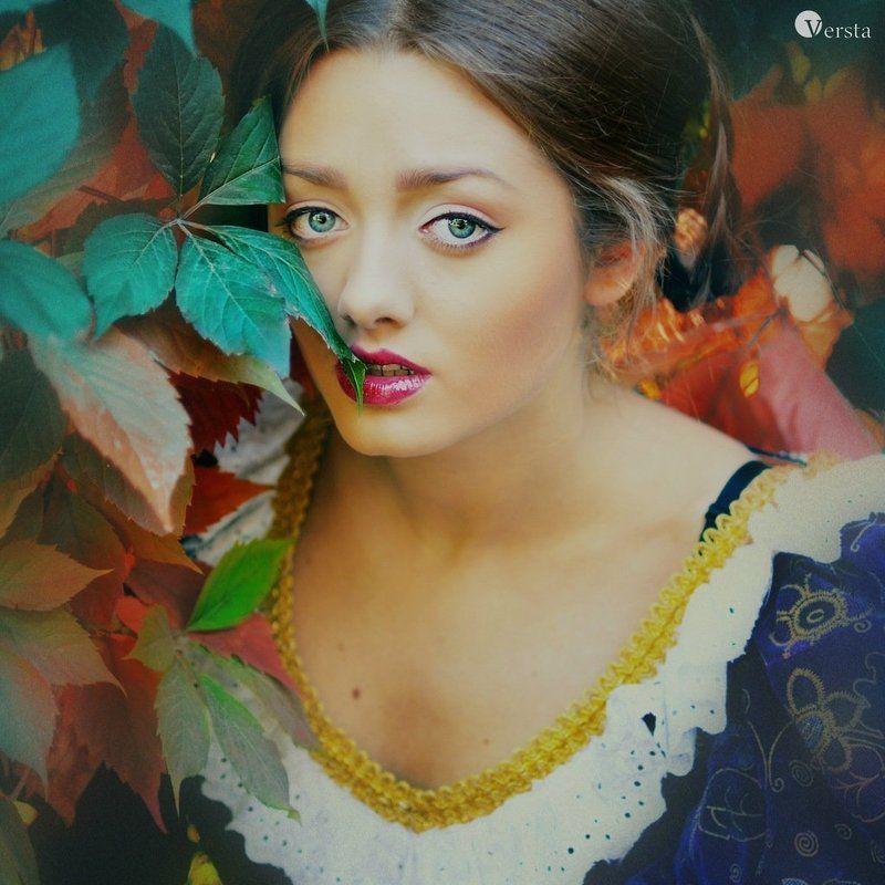 осень, середьовіччя «…Де вічність поросла плющем І погляд  вабить до поем Ти палиш осені вогнем…»photo preview