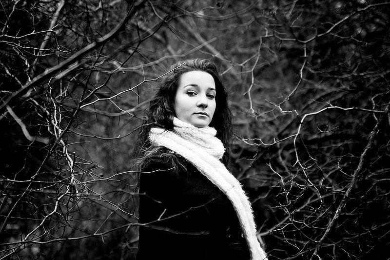 портрет, девушка, прогулка Черно-белоеphoto preview