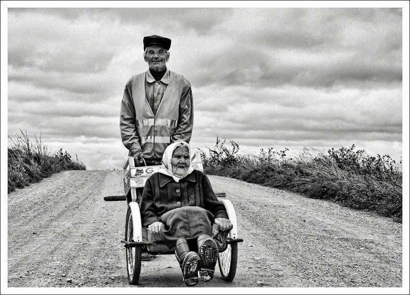 mother,son,cтарость or a long way to the horizon?...photo preview