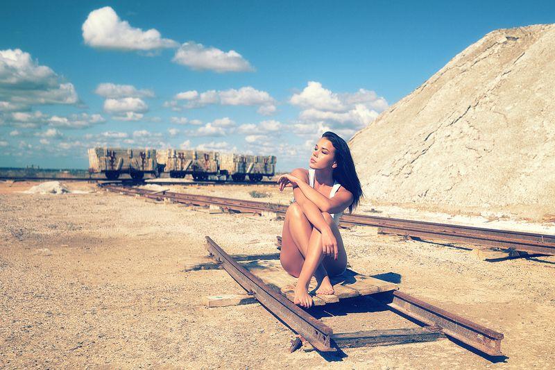 девушка, модель, портрет На своих рельсахphoto preview