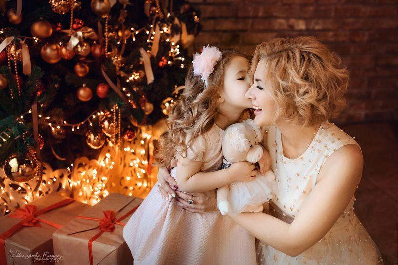 новый год, семья, мама, дочь С новым годом!photo preview