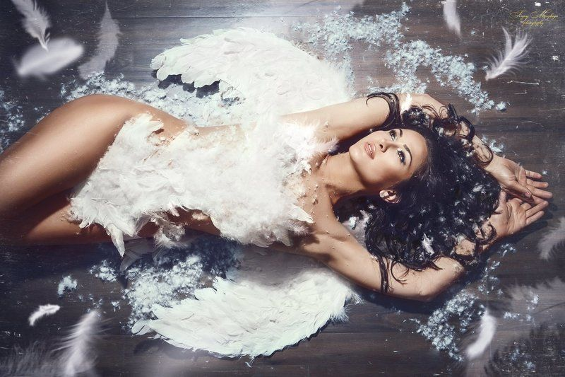 women,angel,portrait,makeup,hairstyle,newyork  Angel  photo preview