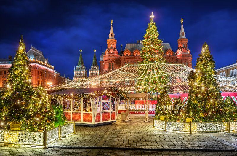 москва, новый год, манежная площадь Новогодние елки на Манежнойphoto preview