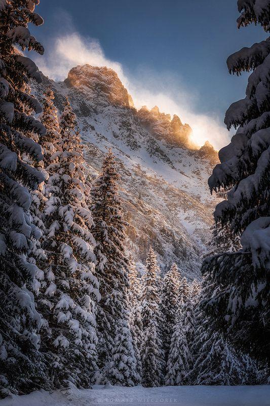 mountains, tatry, sunrise, sunset, snow, wind, cold, light, adventure, amazing, awesome, landscape, winter, frozen, peaks The last light фото превью