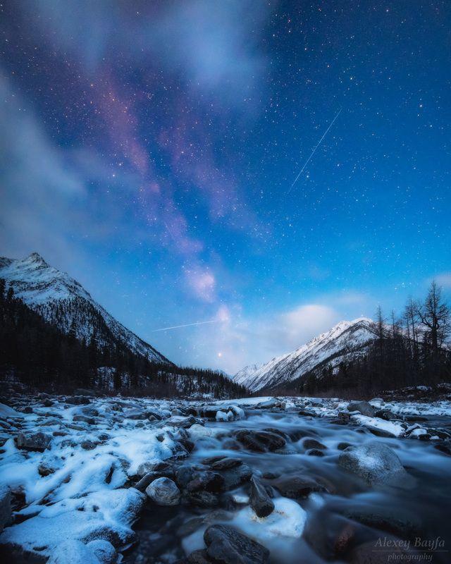 горы, природа, пейзаж, звёзды, млечный путь, лес, река, сибирь, зима Ночная долинаphoto preview